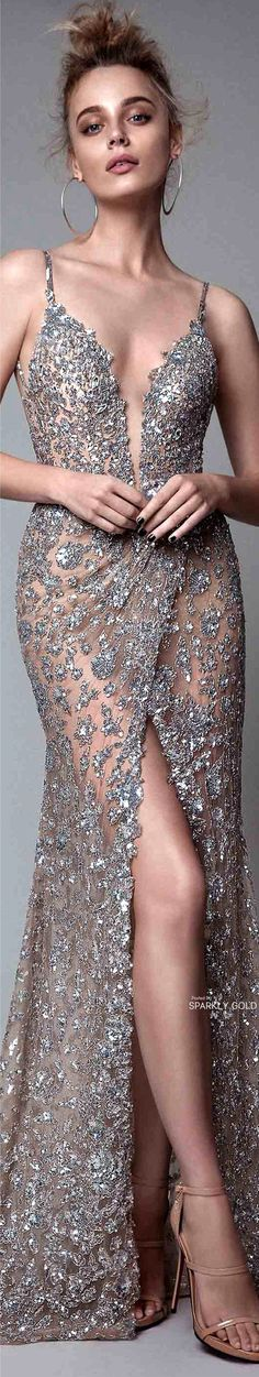 Jewel in crusted silver gown Gala Dresses, Couture Dresses, Formal Dresses, Fashion Casual, High Fashion, Beautiful Gowns, Beautiful Outfits, Couture Fashion, Runway Fashion