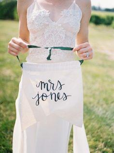 Mrs. Apron: http://www.stylemepretty.com/oregon-weddings/hillsboro/2015/07/07/rustic-romantic-farm-to-table-wedding-inspiration/ | Photography: Christa Taylor - http://www.christataylorphotography.com/