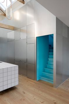 Rotterdam house, once run-down, becomes two sleek apartments - Curbedclockmenumore-arrow : Local design studio Shift Architecture Urbanism helmed the renovation Architecture Renovation, Architecture Design, Floating Kitchen Island, House Shifting, Bright Apartment, Brickwork, Staircase Design, Staircase Storage, Cuisines Design