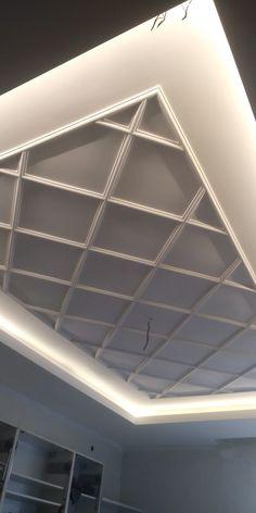 Simple Ceiling Design, House Ceiling Design, Ceiling Design Living Room, Room Design Bedroom, Bedroom Furniture Design, Small Garden Design Ideas Low Maintenance, Plaster Ceiling Design, Roof Ceiling, House Design Pictures