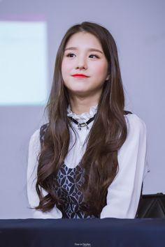 161016 © Time in October Kpop Girl Groups, Korean Girl Groups, Kpop Girls, Thing 1, Korean Beauty, Ulzzang Girl, True Beauty, Your Girl, South Korean Girls