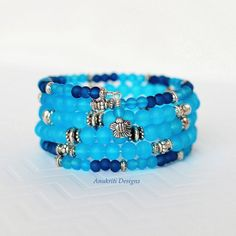 Blue braceletMemory wire braceletBoho por AnukritiDesigns en Etsy