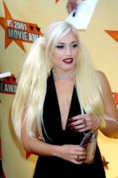 Gwen Stefani's 31 Most Memorable Hairstyles Gwen Stefani Hair, Gwen Stefani No Doubt, Gwen Stefani Style, Undercut Hairstyles, Retro Hairstyles, Divas, Undercut Long Hair, Bleach Blonde, Blonde Ombre