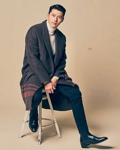 Hyun Bin from Crash Landing on You - Daily Fashion and Style Inspo - handsome male models - cool casual stylish street f Hyun Bin, Asian Actors, Korean Actors, Handsome Male Models, W Two Worlds, Kdrama Actors, Korean Celebrities, Korean Male Models, K Idol