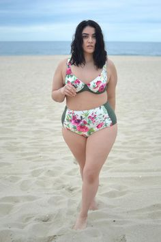 Plus Size Swim Wear - plus size fashion for women Curvy Fashion, Plus Size Fashion, Girl Fashion, Addition Elle, Orlando Florida, Divas, Nadia Aboulhosn, Pear Shaped Women, Plus Size Beauty