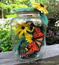 Paper crafts- quilled monarch butterfly in a jar! Fully illustrated tutorial.  A great use for recycled jars!