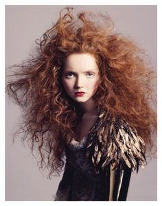 Lily Cole by Andreas Sjödin for Vogue Nippon January 2007 I absolutely adore Lily. And she looks gorgeous in this short little shoot. Just the right amount of casual and fierceness. Lily Cole, Color Del Pelo, Corte Y Color, Wild Hair, Ginger Hair, Crazy Hair, Hair Day, Rapunzel, Redheads