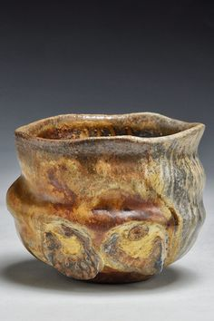 """Teabowl from Dick Lehman. I imagine how your hands would find their """"just right"""" place among the ridges and curves. Pottery Mugs, Ceramic Pottery, Pottery Art, Wabi Sabi, Pinch Pots, Pottery Sculpture, Chawan, Ceramic Design, Pottery Studio"""
