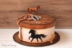 Horse cake - too cool Country Birthday Cakes, Cowboy Birthday Cakes, Cowgirl Cakes, Western Cakes, Rodeo Birthday, 13 Birthday Cake, Horse Birthday Parties, Fondant Cakes, Cupcake Cakes
