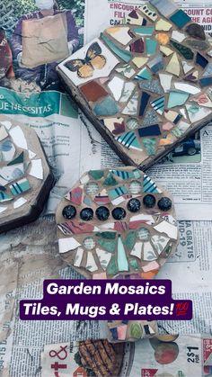 Mosaic Garden Art, Mosaic Tile Art, Mosaic Diy, Mosaic Crafts, Mosaic Glass, Stained Glass, Mosaic Art Projects, Magazine Crafts, Garden Crafts