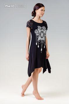 8ac8fca320f9046 Платье India («Индиа») — трапециевидного силуэта, с фигурным низом, длиной