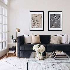 31 Interesting Grey White Black Living Room Decor Ideas And Remodel. If you are looking for Grey White Black Living Room Decor Ideas And Remodel, You come to the right place. Below are the Grey White. Black Living Room Decor, Black Sofa Living Room, Living Room Designs, Modern Room, Living Room Sofa, Couches Living Room, Rugs In Living Room, Living Room Grey, Room Design