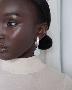 Smooth and cool to the touch, pearls simply enchant! Their pale, soft shimmer gently glows and their mere presence adds a sweet essence. The texture of pearl is wonderfully delicate, their look, versatile and ever lovely. Pearls add a special touch of elegance that can be dressed up or down and are a timeless touch of femininity. ♡♡♡ Statement Earrings, Pearl Earrings, Drop Earrings, Irish Jewelry, Minimal Jewelry, Initial Necklace, Jewelry Branding, Fascinator, Metal Working