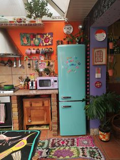 Hippie Kitchen, Bohemian Kitchen Decor, Funky Kitchen, Aesthetic Bedroom, Dream Decor, Cool Rooms, House Rooms, Decoration, Home Kitchens