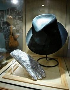 Michael Jacksons famous hat and glove