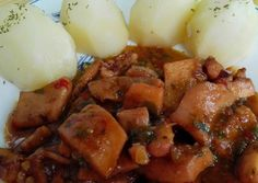Potas al estilo canario Spanish Kitchen, Spanish Food, Salsa, Pot Roast, Potato Salad, Mashed Potatoes, Pork, Food And Drink, Tasty