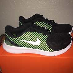 Details about BOYS NIKE FREE COMMUTER RUNNING SHOES YOUTH SIZE 3 BLACK /  GREEN NIB
