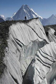 Baltoro Glacier, Northern Pakistan. Laos, Nepal, Sri Lanka, Beautiful World, Beautiful Places, Mount Everest, Taj Mahal, Himalaya, Pakistan Travel