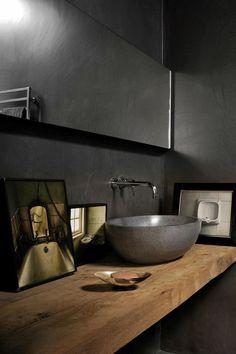 Nuestro baño con bacha de apoyar. Me encantaria algo asi bien minimal. Una madera y un mueblecito independiente abajo para las miscelaneas.
