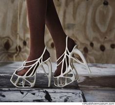 Melonia Shoe The Melonia shoes are the first 3D-printed haute couture shoes in the world. naim-josefi Design: Naim Josefi / Souzan Youssouf