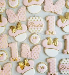 Back to work today! I will respond to all messages and emails by the end of the . Torta Minnie Mouse, Minnie Mouse Birthday Decorations, Minnie Mouse Cookies, Minnie Mouse Theme Party, Bolo Minnie, Minnie Mouse First Birthday, 1st Birthday Party For Girls, Minnie Mouse Pink, Girl Birthday Themes