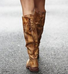 CAMBRIDGE - The statement boot made for Women - Bed Stu