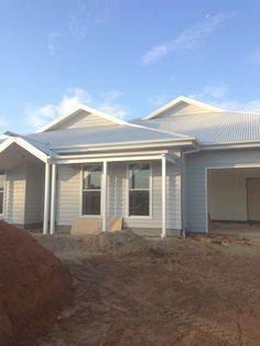 House update: A little bit . Exterior House Colors, Exterior Design, Facade House, House Facades, House Exteriors, Weatherboard House, Hamptons House, Australian Homes, Reno