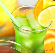 Yesil elma ve limon kokteyline bayılacaksınız