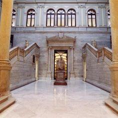 La Biblioteca Nacional por dentro  en  Madrid