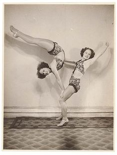 Turner Twins, acrobats
