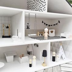 Love the swing Baby Play Areas, Modern Dollhouse Furniture, Sonny Angel, Diy Dollhouse, Dollhouse Miniatures, Toy Rooms, Miniture Things, Doll Crafts, Diy For Kids