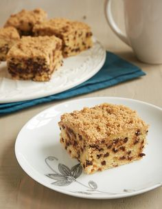 Chocolate Chip Crumb Cake is simply delicious. Lots of chocolate chips make this one a big hit! - Bake or Break ~ http://www.bakeorbreak.com