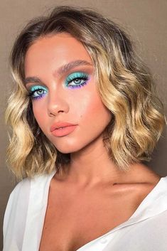Wavy Attractive Short Hairstyles ❤️ Are you curious to find out creative ideas of exquisite blunt bob hairstyles? Have a look at our collection and get inspired! makeup looks 18 Blunt Bob Hairstyles to Wear This Season Makeup Eye Looks, Cute Makeup, Gorgeous Makeup, Makeup For Eyes, Makeup For Blue Eyes, Hair And Makeup, Teal Eye Makeup, Mint Makeup, Purple Makeup Looks