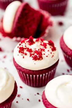 Red Velvet Cupcakes are irresistible any time of the year, but especially fitting for Valentine's Day, July 4th, or Christmas celebrations! With an eye-catching color, and a hint of chocolate, and topped with an addictive rich and tangy cream cheese frosting, these will become an all-occasion favorite! #cupcakes #redvelvet #best #easy #cake #homemade #moist #creamcheesefrosting #creamcheese #fromscratch #dessert Easy Red Velvet Cupcakes, Red Cupcakes, Cupcakes With Cream Cheese Frosting, Cupcake Cakes, Best Vanilla Cupcake Recipe, Cupcake Flavors, Cupcake Recipes, Dessert Recipes, Homemade Vanilla Extract