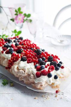 Pavlova, Food Inspiration, Raspberry, Fruit, Cooking, Desserts, Anna, Kitchen, Tailgate Desserts