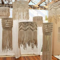 Best Snap Shots Macrame Patterns modern Concepts Find out all you need to understand to make gorgeous macrame projects. Macrame Design, Macrame Art, Macrame Projects, Macrame Knots, Macrame Curtain, Macrame Plant Hangers, Art Macramé, Diy And Crafts, Arts And Crafts