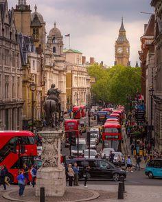 Fun and games in #TrafalgarSquare  Shot by @jakobnoc  || #thisislondon #bigben by london