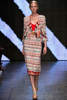 See all the Collection photos from Donna Karan Spring/Summer 2015 Ready-To-Wear now on British Vogue Donna Karan, New York Fashion, Runway Fashion, Fashion Show, Josephine Le Tutour, New Yorker Mode, Looks Street Style, Spring Summer 2015, Catwalk