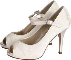 Chaussures de mariée Nina en satin et dentelle chez Shoesmariage