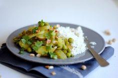 Caril verde e arroz de couve-flor
