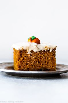 This is the BEST pumpkin cake I've ever had! Supremely moist, soft, rich, and spiced with pumpkin spice flavor! Recipe on sallysbakingaddic. Pumpkin Cake Recipes, Pumpkin Spice Cake, Pumpkin Dessert, Pumpkin Sheet Cake, Pumpkin Bread, Pumkin Cake, Chocolate Pumpkin Cake, Chocolate Lava, Best Pumpkin