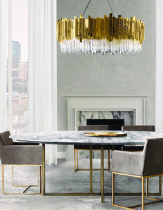 Get inspired by these dining room decor ideas! From dining room furniture ideas, dining room lighting inspirations and the best dining room decor inspirations, you'll find everything here! Elegant Dining Room, Luxury Dining Room, Dining Room Lighting, Dining Room Design, Chandelier Lighting, Chandelier Ideas, Table Lighting, Crystal Chandeliers, Office Lighting