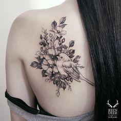 Este lindo de tras do ombro peca http://tatuagens247.blogspot.com/2016/09/fabuloso-feminino-tatuagem-de-ideias-de.html