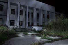 Light painting of an abandoned building. Abandoned Buildings, Light Painting, Photography, Photograph, Fotografie, Fotografia, Photoshoot