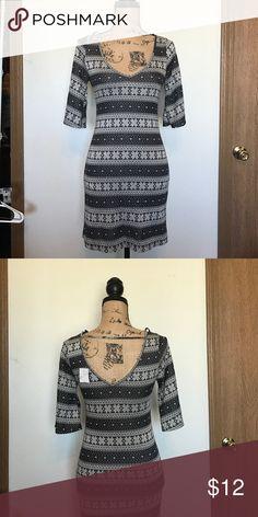 Papaya short dress size xS/S V neck and v back ,short sleeve,bundle and save don't hesitate to make offers Papaya Dresses Mini