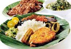 NASI PADANG. Originated from Padang, west Sumatra - Indonesia, it is definitely full of spices kinda food. Chuck away the cutlery and dig in with your hands then wash the spice away with a sweet iced tea. ♥