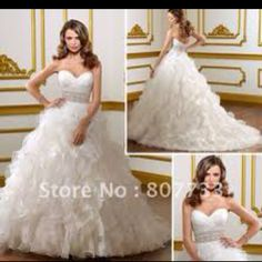 Add some sleeves and a piece in the front and back and this would be the most beautiful weding dress!!!