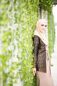 The premier destination for modest fashion wear. Fashion Wear, Modest Fashion, Hijab Fashion, Womens Fashion, Diy Wedding Backdrop, Muslim Hijab, Islamic Fashion, Hijab Chic, Traditional Fashion