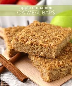 Apple Cinnamon Oatmeal Bars - Iowa Girl Eats Apple Cinnamon Oatmeal Bars are a healthy, gluten-free breakfast or snack recipe that taste decadent but are made without refined sugar. These are a hit with kids! Gluten Free Breakfasts, Healthy Breakfast Recipes, Gluten Free Recipes, Snack Recipes, Dessert Recipes, Snacks, Cooking Recipes, Oatmeal Breakfast Bars, Oatmeal Bars