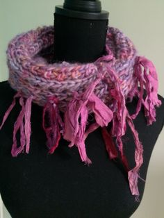 Heerlijke vrolijke sjaal met oa sari zijdevezels.